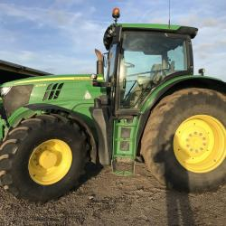 JD 6210R - 3933 hours - SOLD